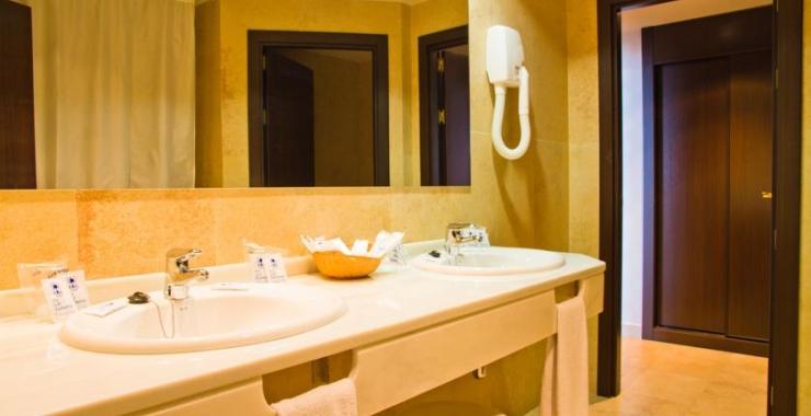 Pachet promo vacanta Hotel Las Palmeras Fuengirola Costa del Sol - Malaga imagine 2