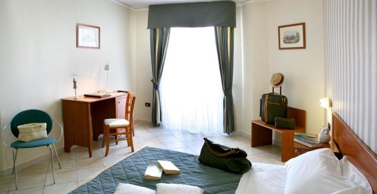 Pachet promo vacanta Hotel Villa Serena Castellammare di Stabia Coasta Amalfitana imagine 4