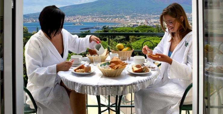 Pachet promo vacanta Hotel Villa Serena Coasta Sorrento Coasta Amalfitana