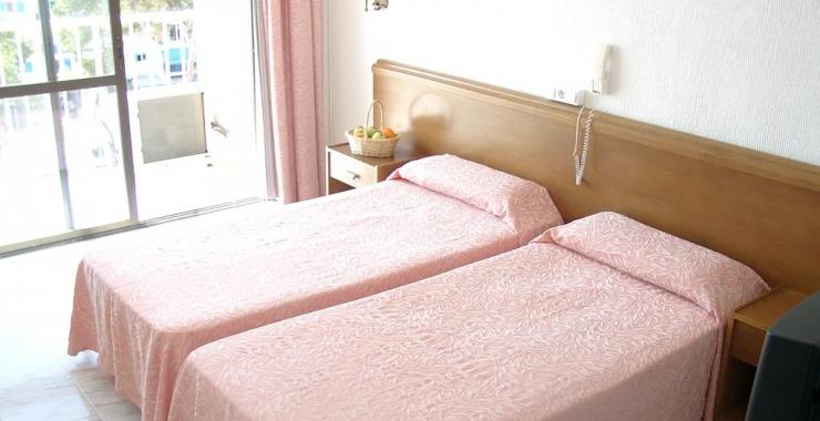 Pachet promo vacanta Hotel Amic Miraflores Can Pastilla Mallorca imagine 2