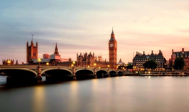 Pachet promo vacanta CIRCUIT LONDRA, PARIS, BRUXELLES, AMSTERDAM Circuite Anglia Marea Britanie