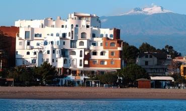 Hotel Sporting Baia **** Sicilia Giardini Naxos Sejur si vacanta Oferta 2020
